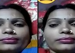 Indian Desi Village Bhabhi uniformly Her Boobs primarily Video Call Part 1