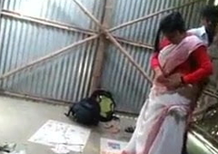 South Indian college couple bonking in a garage