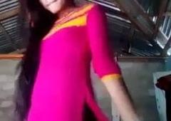 My girlfriend video bnakar watsp kiya