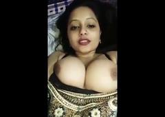 hello, I'm Sunita, talk to me on a video call!