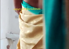 Indian beautiful crossdresser model Lara D'Souza saree video