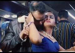 Chalti Bus Me DEsi Bhabhi Ki Chuday Part 2