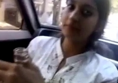 Desi muslim ChotiBahen se Baiyya ne Lund Chusvaya Car