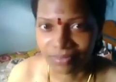 Tamil aunty hot naval boobs show and pussy fucking in aunty house