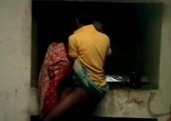 Neighbour bhabhi ko teres per bulakar ki chudai