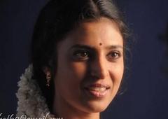 Kasthuri Aunty very sexy