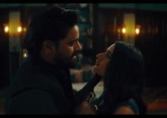 Fatima Sana Sheik Hot Kissing Sex Scene Ajeeb Dastaan