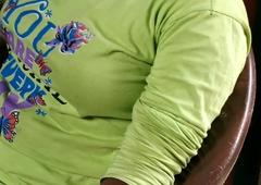 Bhai Bahan ki chudai kahani Hindi, Show big breast in tshirt