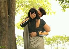 Indian Saree Kissing Skip Video