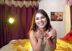Tina Nandi – babe in POV