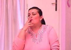 Mature Pussy Smokin' Cigs