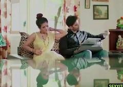 Bhabhi ne ghar pe aaye guest ke sath kiya sex - web series