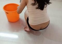 Pregnant Maid Ko Choda Jab Pocha Laga Rhi Thi Mere Room Me