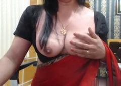 Hot desi bhabhi maisa boobs in saree
