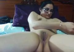 Punjabi girl pigeon-holing very hard, insta id = genuinejannat
