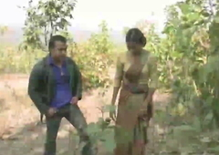 Jungle me mangal- Bhatki ladki ko stranger ne pela