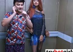 Hot Sexy Girl Ko Lift Me Pataya Or Enclosure Me Bulake Kiya Sex