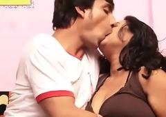 desimasala.co - Big boob bhabhi hot boob seize romance with young steady old-fashioned