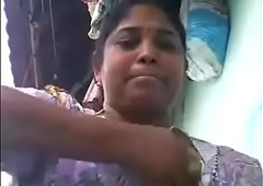 VID-20180623-PV0001-Vikravandi (IT) Tamil 37 yrs old unavailable hawt and sexy housewife aunty Mrs. Eswari showing her boobs sexual relations porn video-1