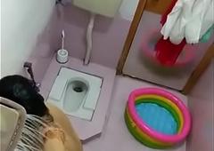 Paki become man bath - Desi49.com