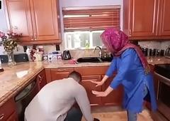 Hot Arab Hijabi Muslim Acquires Drilled by man XXX video Hot