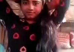 Slurps Desi College Girl Displays her Nude Body Video