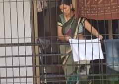unconditional desi aunty bhabhi saree posted boob hot show
