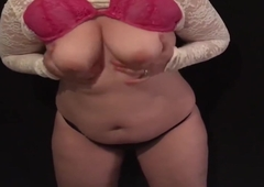 Titillating BBB playing with belly PAWG ass
