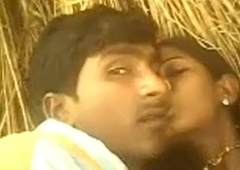 Indian youthful Sexy Bhabhi Saree Pulled Around Added to Screwed in Treacherously compass in Village - Wowmoyback