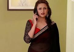 Divyanka Tripathi hot Deep Navel in low hip saree