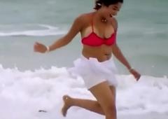 Kiran rathod juggling boob slip from bikini