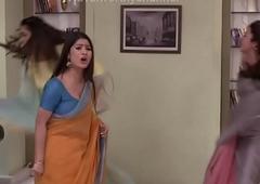 Divyanka tripathi low hip saree Deep Navel slips